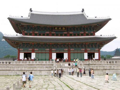 Дворец Кенбоккун