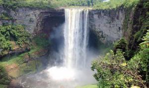 Водопад Кайечур