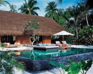 Один из курортов на  Мальдивских островах