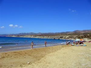 Чудесный пляж Лара-Бей