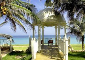 Пляж Плайя-Эсмеральда