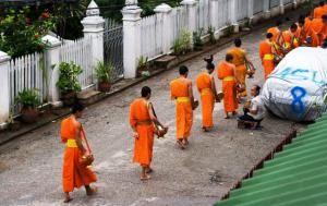 Служители храма