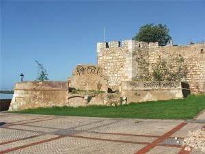 Замок Фару