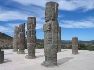 Статуи Иш-Чель
