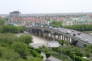 Центральный мост города Атырау