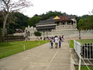 Храм Зуба