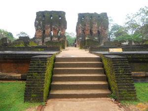 Руины Королевского дворца