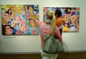 В одной из галерей музея Леопольда