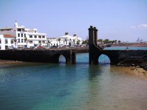 Мост, ведущий к Кастильо-де-Сан-Габриэль