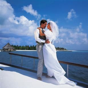 Свадьба. Месяц на Мальдивах.