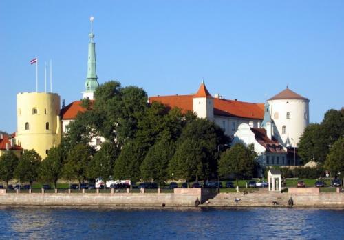 Вид на Рижский замок