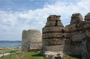 Средневековая крепость Порос